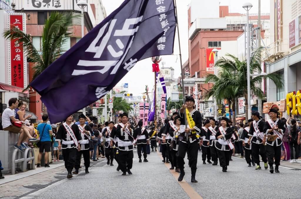 沖繩|那霸大拔河祭x感受萬人一起拔河的金氏世界記錄