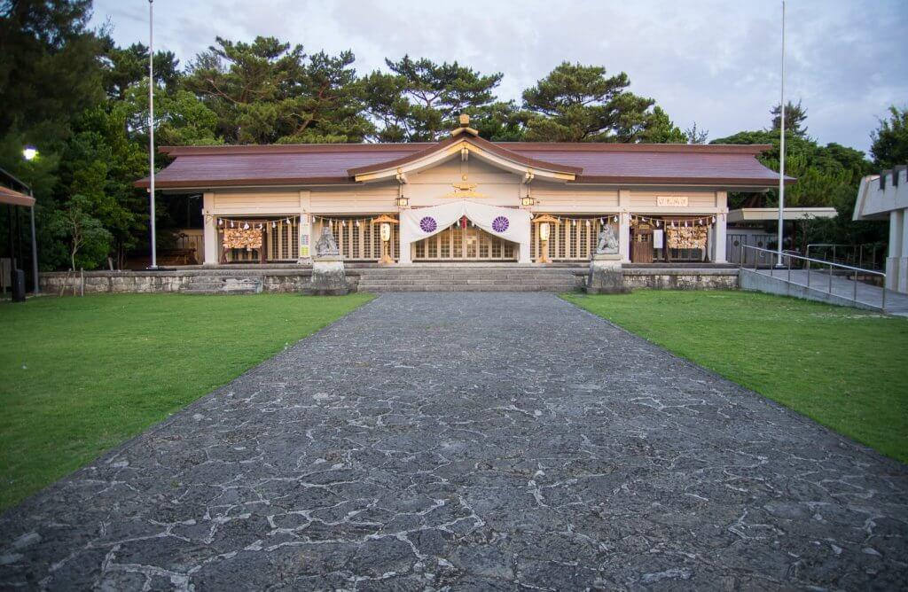 沖繩|全縣香火最旺盛就是這!奧武山「護國神社」
