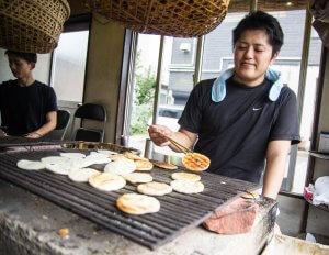 【茨城体验】潮来西仓手烤仙贝・一片片的好滋味