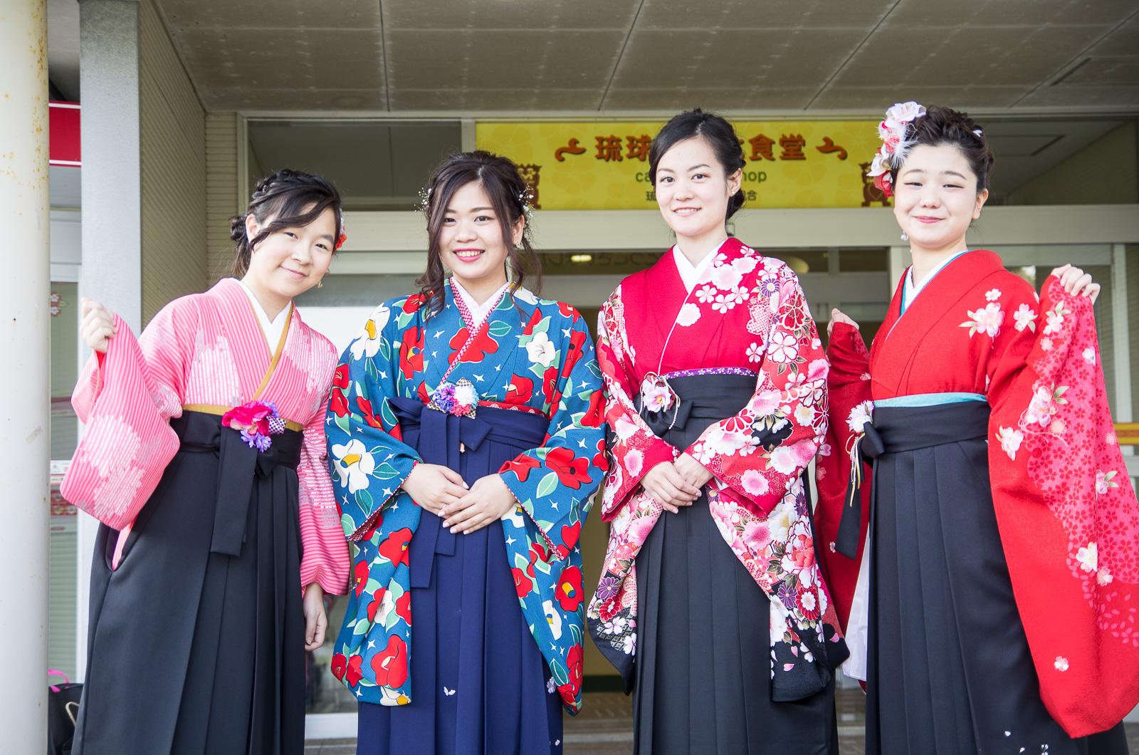 日本女性大學畢業服「袴」