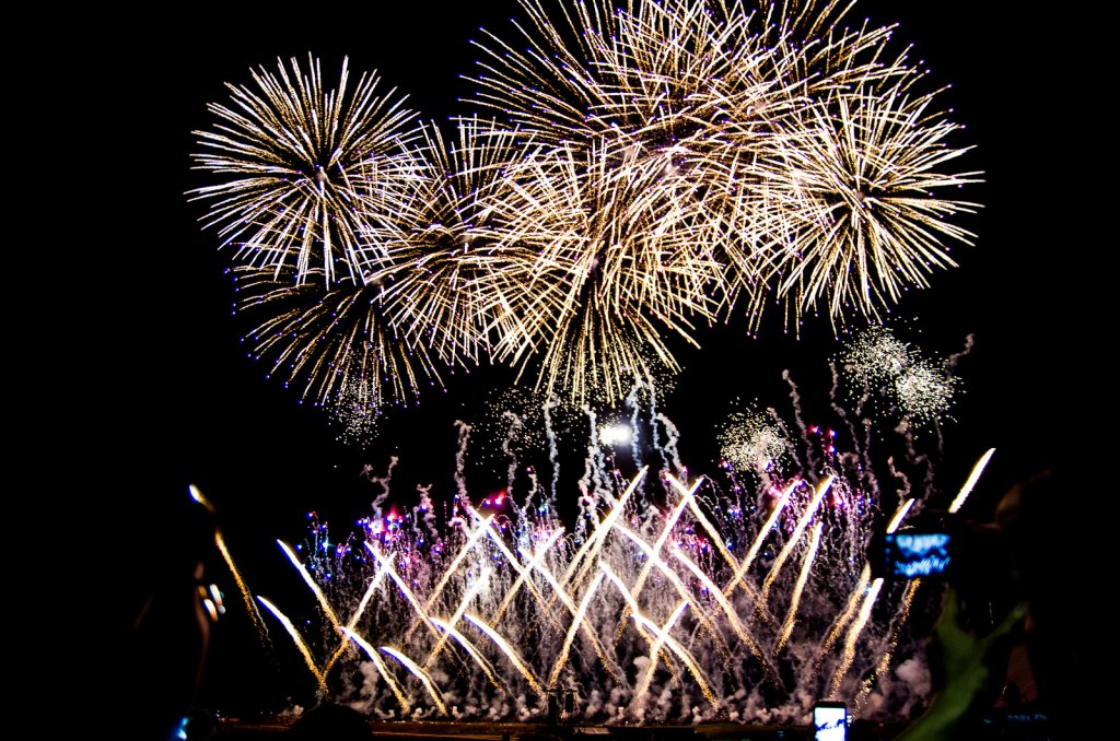 琉球海炎祭的煙火