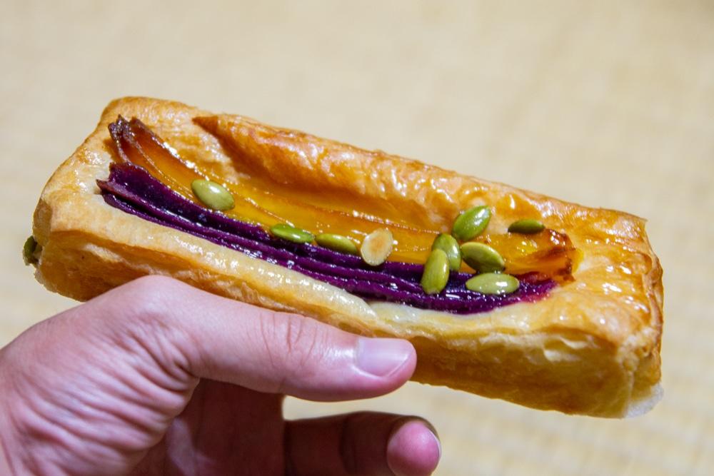 單手丹麥麵包