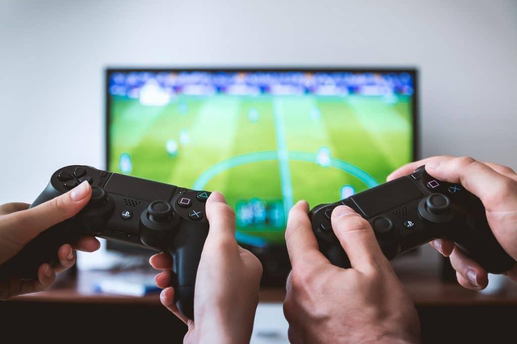 テレビゲームもプログラミングで作られています。