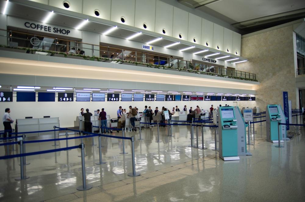 沖繩那霸機場3樓登機手續櫃台