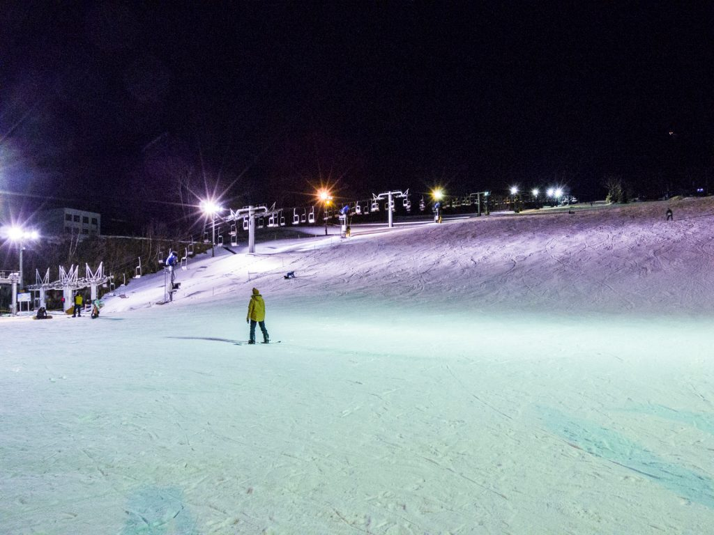 北志賀小丸山滑雪場夜間開放
