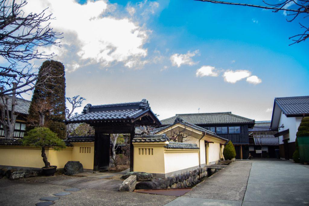 橘倉酒造正門