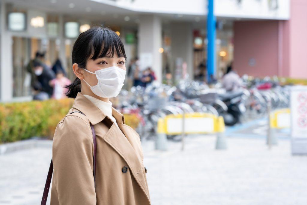 為了防疫而戴口罩的人不多