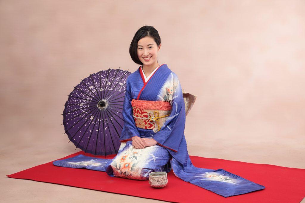 日本女性成人式時的振袖