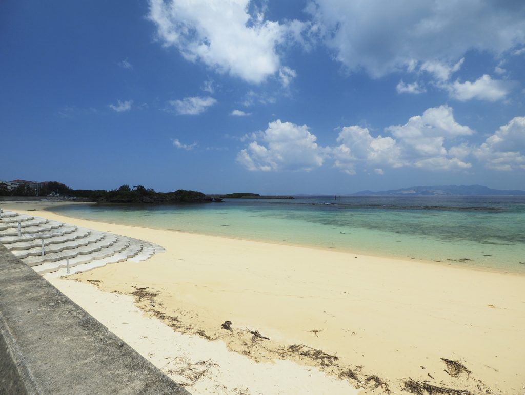 沖繩鑽石海灘